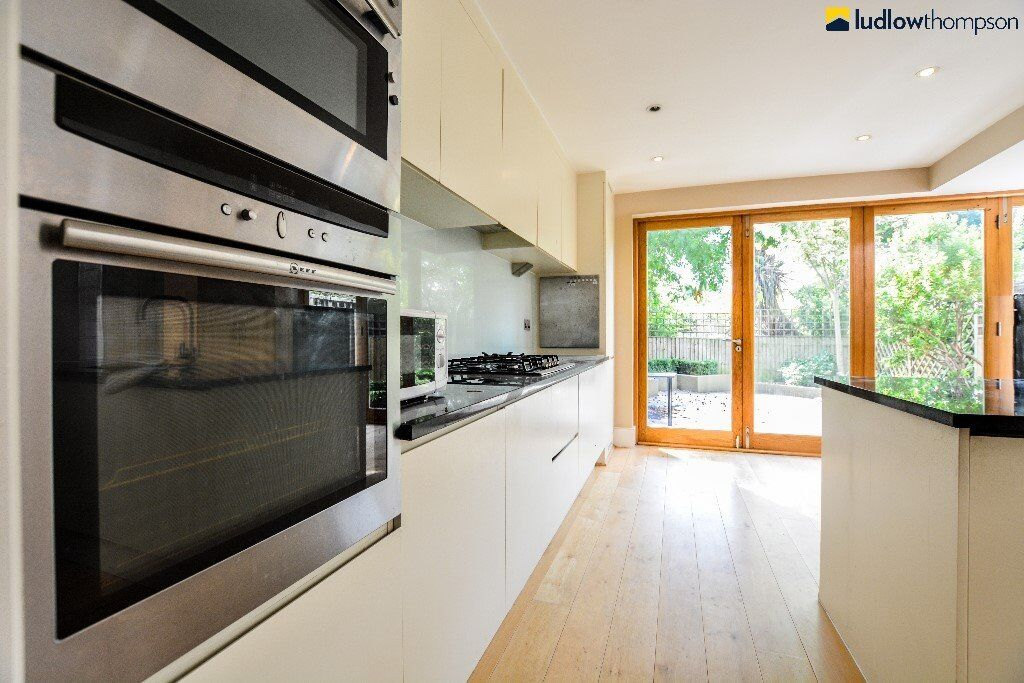 Stunning Victorian House On Quiet Residential Street In Heart Of Wandsworth - SW18