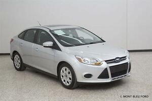 2014 Ford Focus SE w/SUNROOF  *NO ADMIN FEE, FINANCING AVALAIBLE