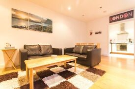 Very spacious 2 double bedroom flat with private garden seconds from the station in Clapham South!