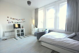 Studio flat in London Road, Kingston upon Thames, KT2