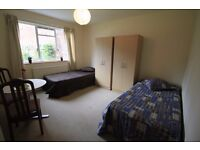 BEAUTIFU TWIN ROOM TO SHARE WITH A FRIEND 2 MINS WALK FROM TUFNELL PARK STATION//4B