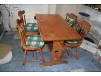 Pine refectory dining table with heart motif and 4 pine chairs vintage