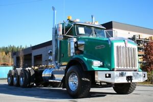 2012 Kenworth T800B Ext Daycab Tri-Drive with Double Frame T800B