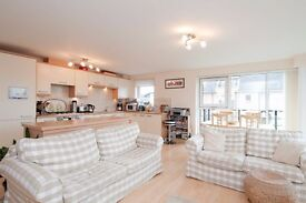 2 bed modern flat in Slateford - balcony, lift, parking, fully furnished