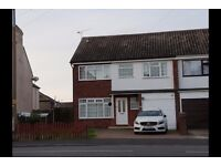 ** Stunning 5 bedroom House To let ** CO12 3RW ** Available Now ** £1300 PCM