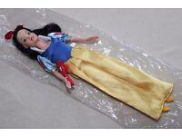 "Disney Princess SNOW WHITE 12"" doll + hairbrush accessory"