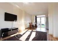 3 bedroom semi detached house to rent in Hayes, UB3