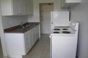 3063 Kingsway Drive - Two Bedroom Apartment Apartment for Rent Kitchener / Waterloo Kitchener Area image 2