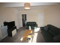 2 bed flat - available 22/12/17 - Allan Terrace, Dalkeith,
