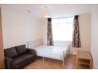 SPACIOUS & CLEAN STUDIO IN GANTS HILL... ALL BILLS INC ... IG2 2TS ...870PM