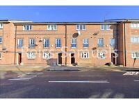 STUDENTS 5 BEDROOM 4 BATHROOM CAHIR STREET E14 NEW THROUGHOUT LONDON