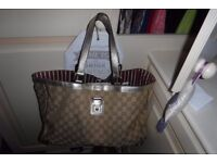 100% Authentic Gucci Tote & Purse ( can be sold separate)
