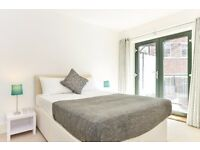 AMAZING THREE BEDROOM/2 BATHROOM DUPLEX IN ZONE 1 ! GOODGE STREET! FULLY FURNISHED