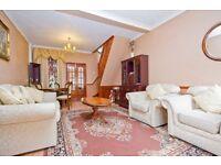 Luxury 3 bedroom Flat In kilburn available now