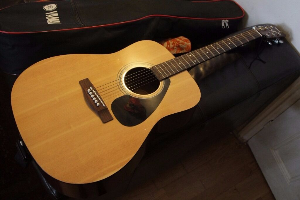 Yamaha  String Full Size Acoustic Guitar