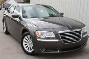 2014 Chrysler 300 Touring, Keyless entry, Heated seats