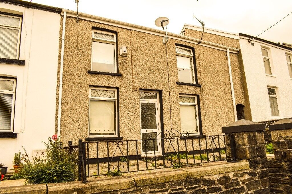 TO LET! A fantastic, 2-bedroom house on Cornwall Road, Tonypandy. £475 PCM.