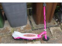 RAZOR E90 ELECTRIC SCOOTER IN EXCELLENT CONDITION - PINK