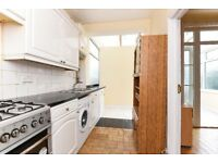 Durnsford Road - A four bedroom property to rent in Earlsfield