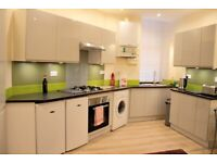 Bright and modern 2 bedroom flat in Sciennes House Place, Newington