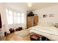 ** 5 BED MASSIVE HOUSE TO RENT ASAP - 715 P/W - GOOD TRANSPORT LINKS***