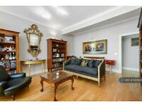 2 bedroom flat in Temple House, London, EC4Y (2 bed) (#1000887)