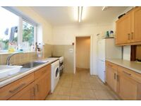 GORGEOUS 5 DBL BED HSE IN HAMMERSMITH W6 AVAILABLE SEPTEMBER FOR STUDENTS