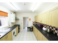 LARGE SIX BEDROOM HOUSE-LIVING ROOM-TWO BATHROOM-PRIVATE GARDEN-WALKING DISTANCE TO MANOR HOUSE!