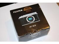 Excellent condition - Fujifilm X-E2 (body only) Boxed with accessories