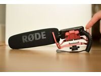 RØDE Camera and Audio VideoMic with Rycote Lyre Mount