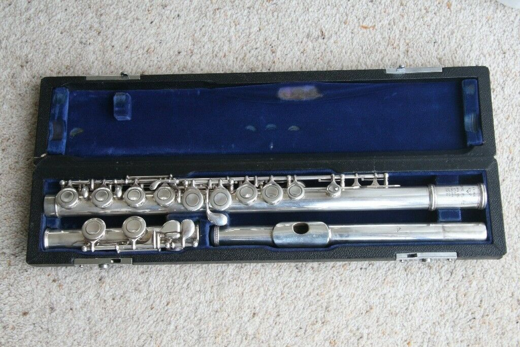 sankyo etude flute with a solid silver headjoint in brighton east sussex gumtree. Black Bedroom Furniture Sets. Home Design Ideas