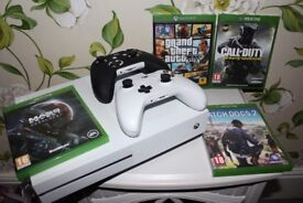 Xbox one s with 4 games 2 controllers. 1 controller brand new, have box, excellent condition.