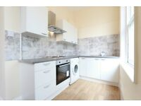2 bedroom flat in Princess Crescent, Finsbury Park, N4