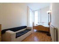 DOUBLE BEDROOM IN REFURBISHED FLAT - MOVE IN NOW!