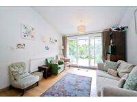5 BED BUNGALOW ONLY £725! *** STUDENT FLAT WITH HUGE EATIN KITCHEN AND PRIVATE GARDEN- KENTISH TOWN