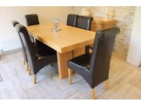 Housing Units Dining table with 6 chairs and matching sideboard. Perfect condition