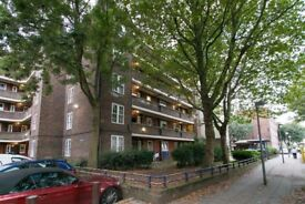 *AVAILABLE NOW* A Beautiful Three Bedroom Apartment Close To Cutty Sark DLR