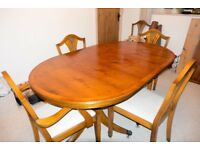 REGENCY STYLE YEW WOOD OVAL DINING TABLE WITH 6 CHAIRS
