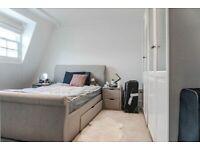 Simple Double Room in Paddington area