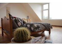 NO DEPOSITS!!!**MUST SEE Stunning Room in Stylish Houseshare!!**