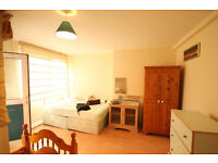 Double or twin room in Mile End. Queen Marry Uni