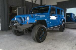 2011 Jeep Wrangler Unlimited Sahara ** 2 Toits ** SuperWinch **