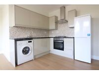 SOUTH WOODFORD E18 STUNNING BRAND NEW LUXURY 2 BEDROOM APARTMENT 1 MINUTE TO TUBE £300 PW