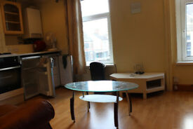 3 Bed room flat for rent