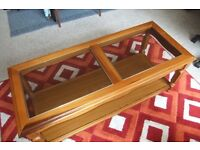 Coffee table. Excellent condition.