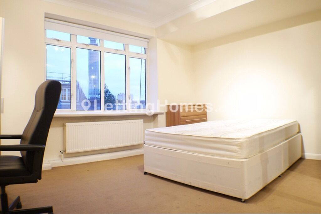 3 Large double bed flat perfect for students- bright and modern - central location SAFE