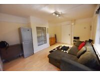 (Clapham South) Stylish 2bed ground flat, furnished with private patio