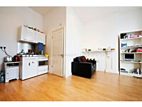 Studio flat on Brixton Hill, minutes away from tube
