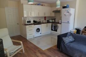 Newly refurbished 4 bed 2 bath flat with large Garden- Kennington SE17 - AVAILABLE SEPTEMBER 2017