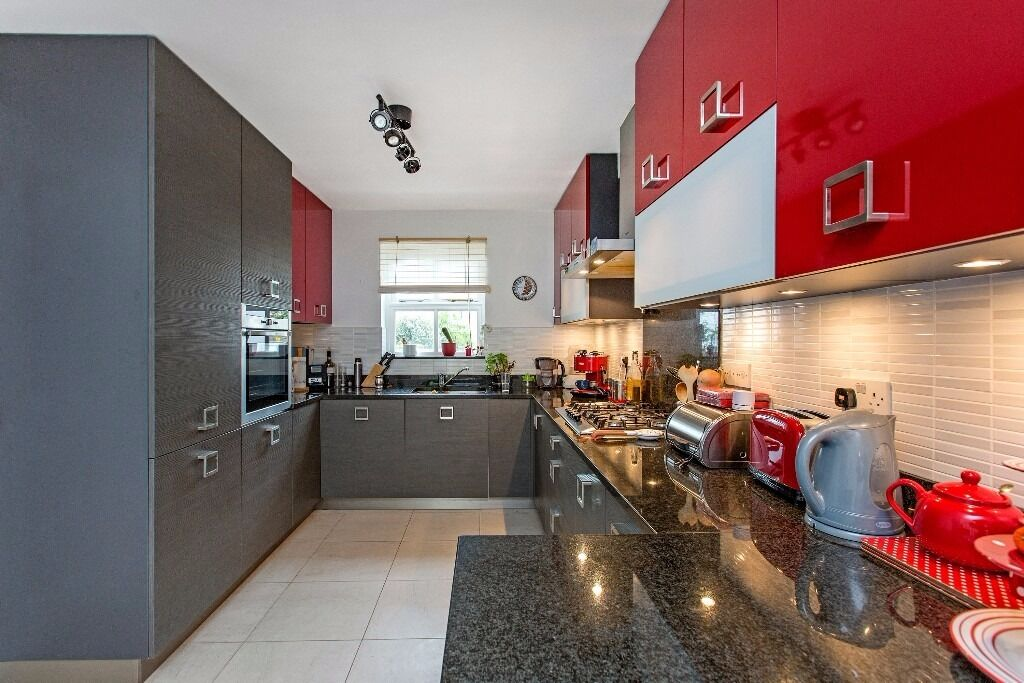Timothy Close, SW4 - A fantastic three bedroom house with parking just moments from Clapham Common!